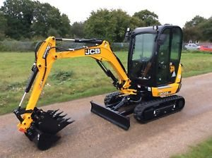 micro mini digger hire Devon